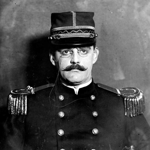 Alfred-Dreyfus-1910