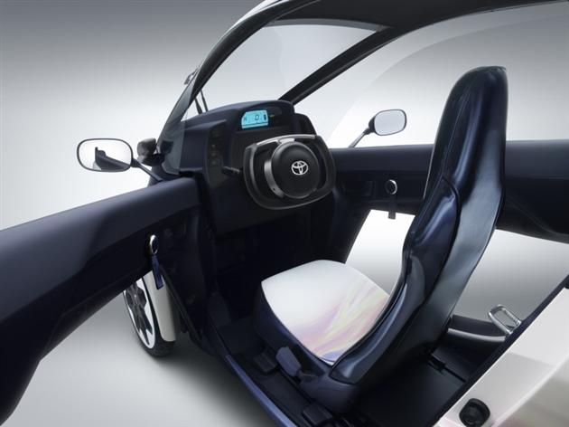 Toyota-i-Road-Personal-Mobility-Electric-Vehicle-5