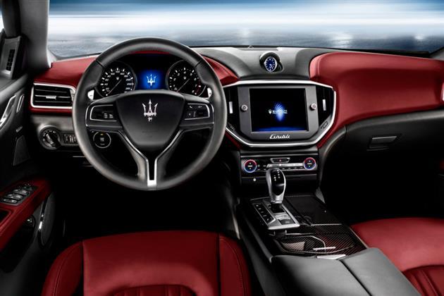 2014-Maserati-Ghibli-3