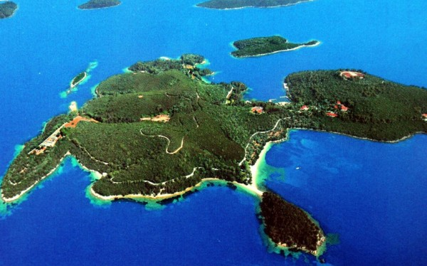 9 600x374 Top 10 Amazing Privately Owned Islands