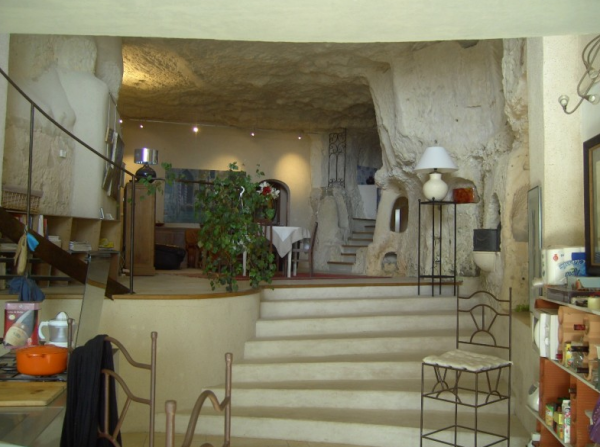 10. The Cosy Cave Home, France