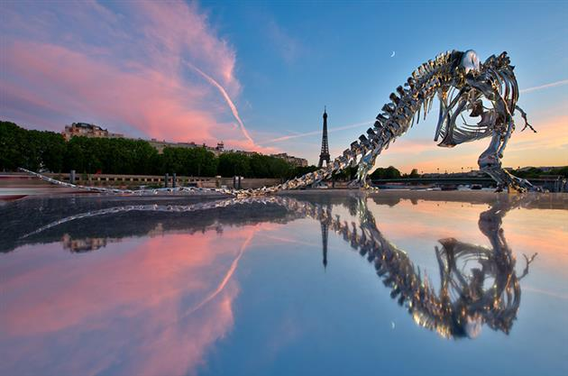 Life-Size-Chrome-T-Rex-Sculpture-in-Paris-2