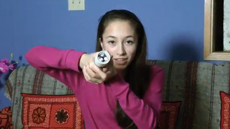 hi 852 ann makosinski Student Creates A FlashLight That Runs on Warmth of Body!