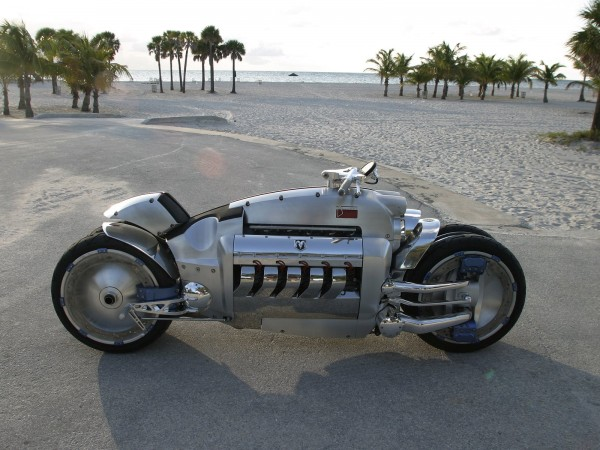 dodge tomahawk 007 600x450 The worlds fastest bike is definitely not for amateurs