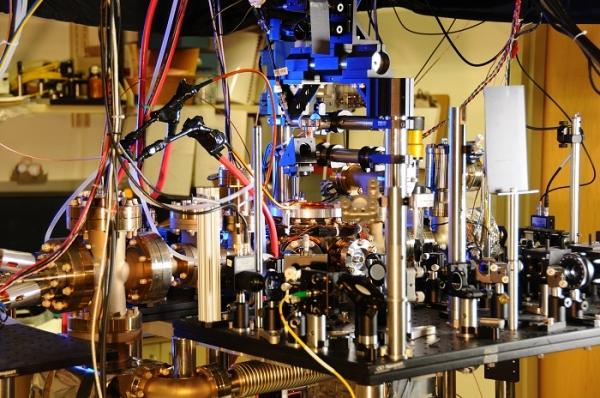 ytterbium-lattice-atomic-clock