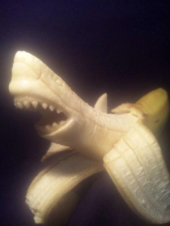 Banana-sculptures7-550x733