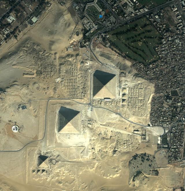 23-Giza-Pyramids