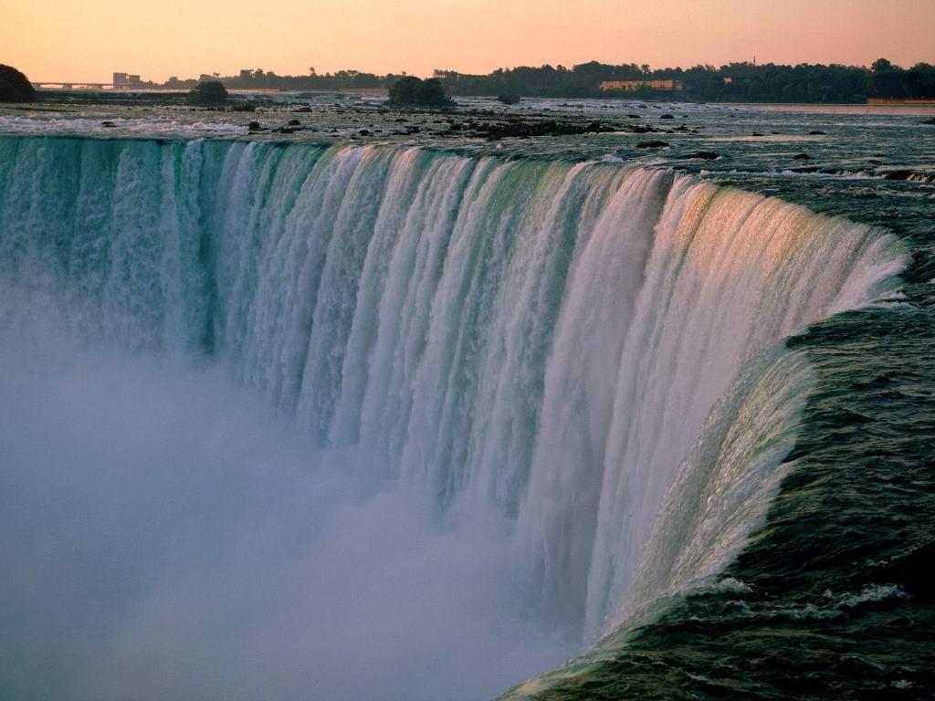 Niagra Falls_Pretty