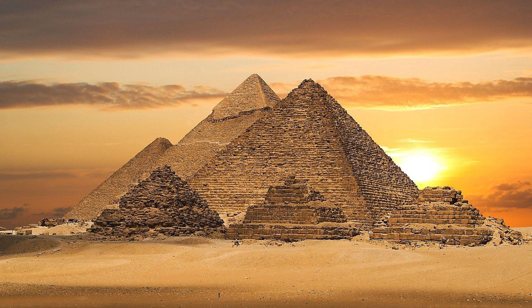 Pyramids _Pretty