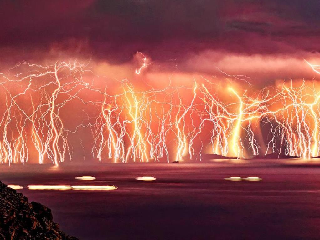 Catatumbo Lightning Nature is Incredibly Beautiful; Look at These 20 Mind Blowing Natural Weather Phenomena