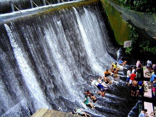 waterfall restaurant 3