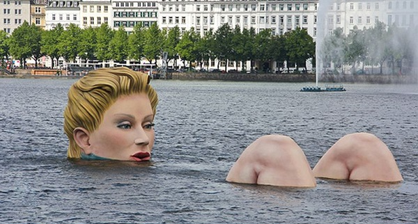 Die-Badende-The-Bather-Hamburg-Germany