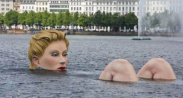 Die-Badende-The-Bather-Hamburg-Germany