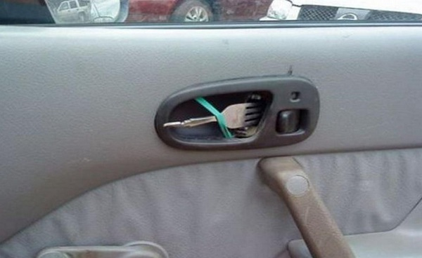 fork door handle