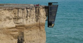 A Cliff House Concept by Australian Architectural Firm