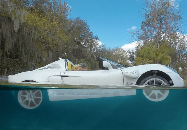 The-Submarine-Sports-Car