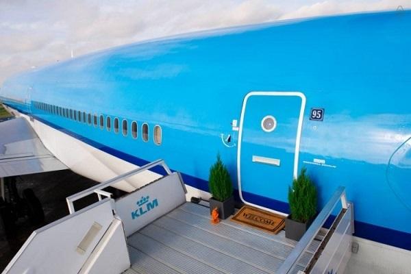 airplane apartment 1