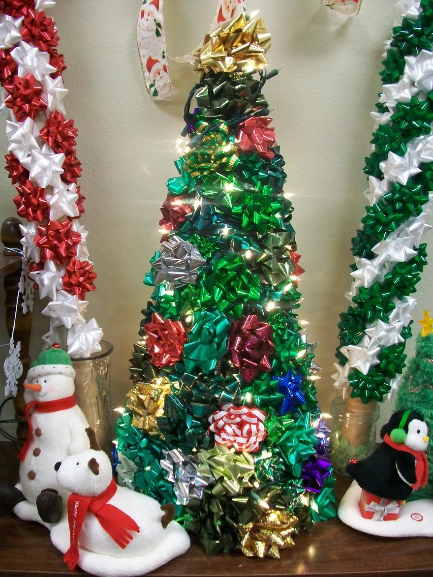Bow And Peppermint Christmas Tree