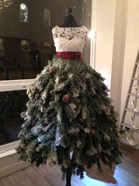 dress christmas tree