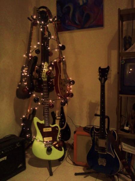 guitar christmas tree