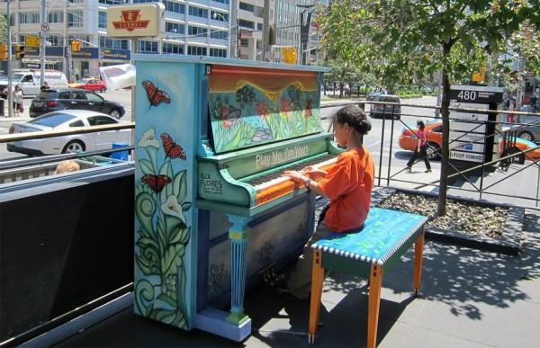 street piano 1