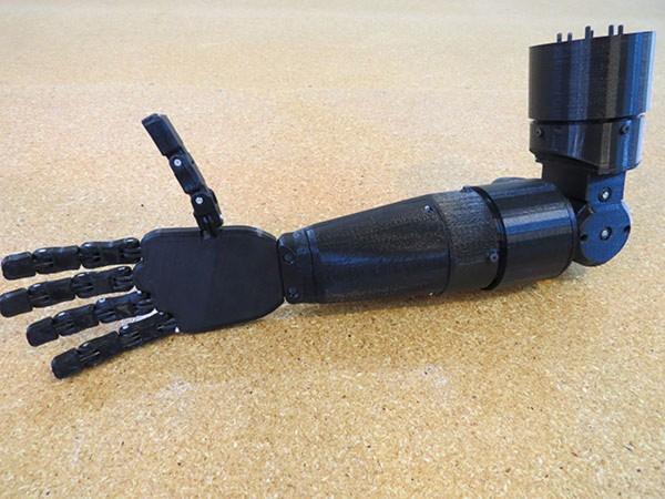 robotic hand lachappelle 1