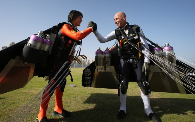 Stuntmen Fly Over Dubai Wearing Jetpacks In Video Entitled Young - Crazy video of two guys flying jetpacks over dubai