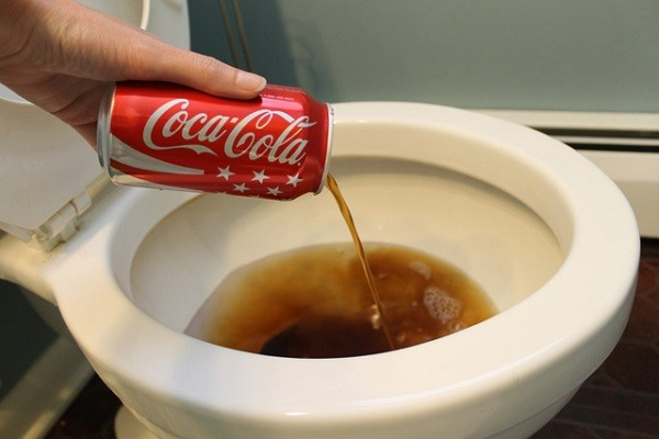 cleaning with coke