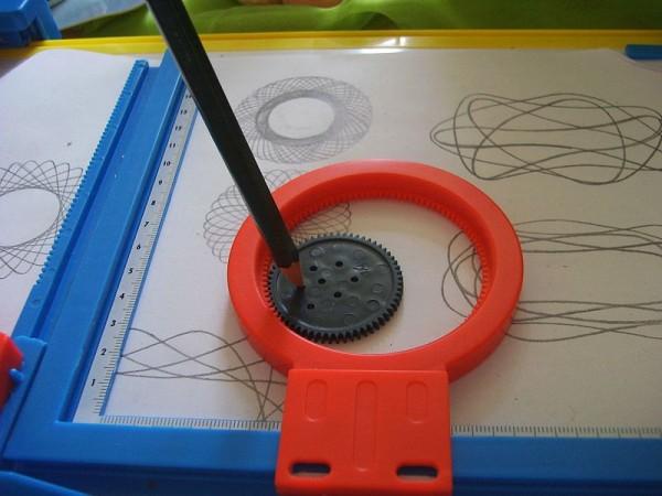 spirograph toy