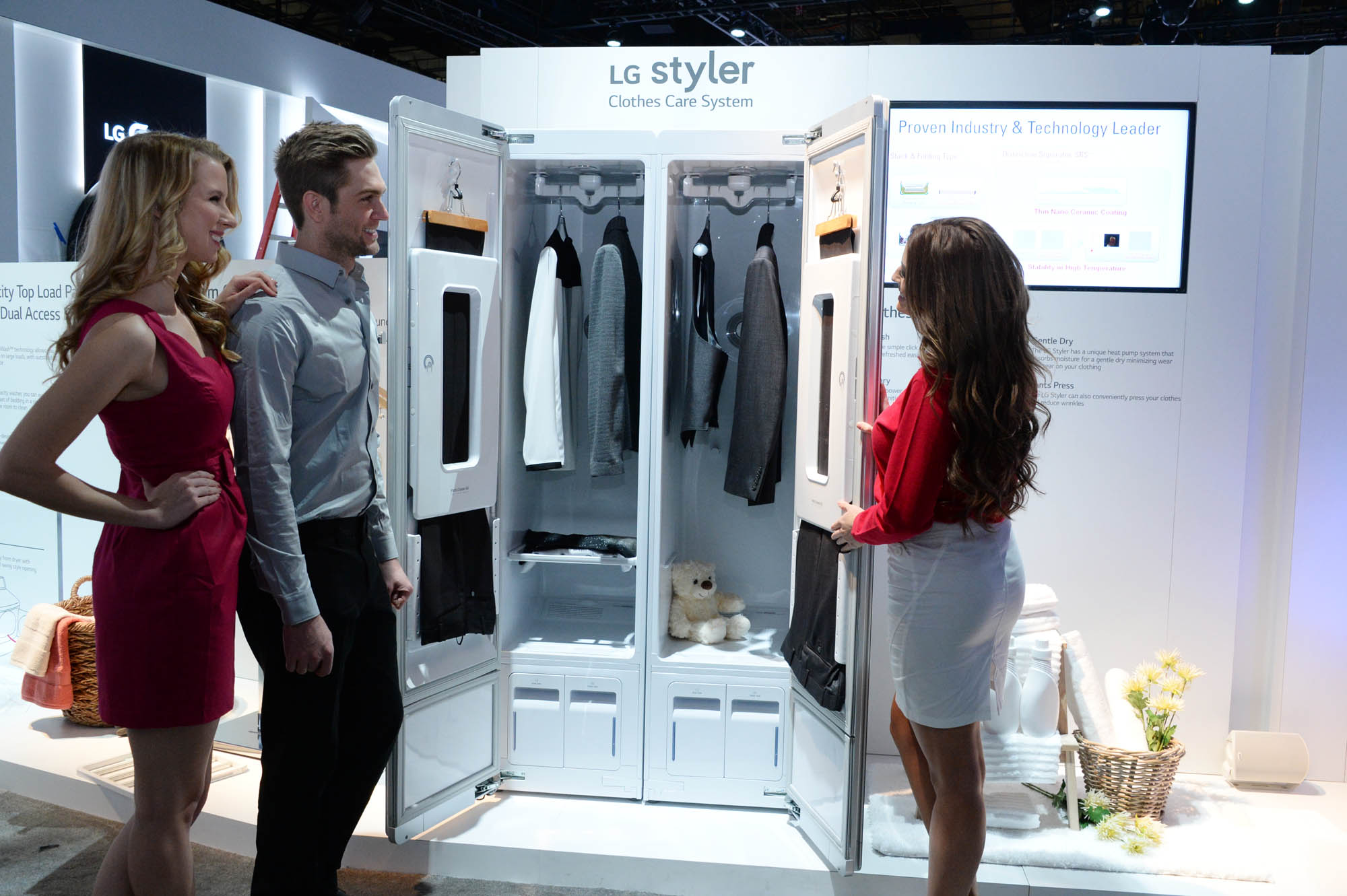 Lg Reveals High Tech Machine For Your Closet That Can Dry