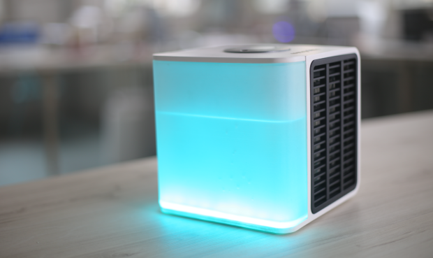 Nice Dubbed As The U201cpersonal Air Conditioneru201d, The Evapolar Is A Tabletop Sized  Box Device That Is Able To Cool Down The Surrounding Air Using Evaporative  Air ...