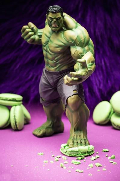 Hulk in Pistachio Macarons