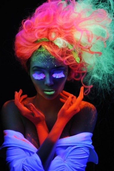 glow-in-dark-hair 1