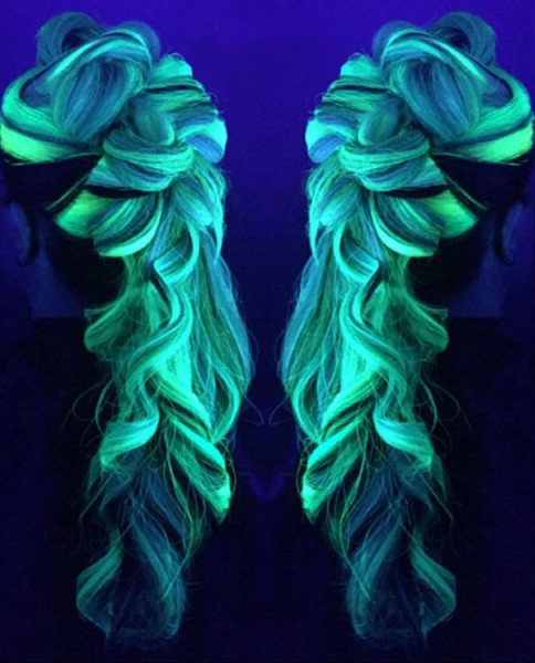 glow-in-dark-hair 2