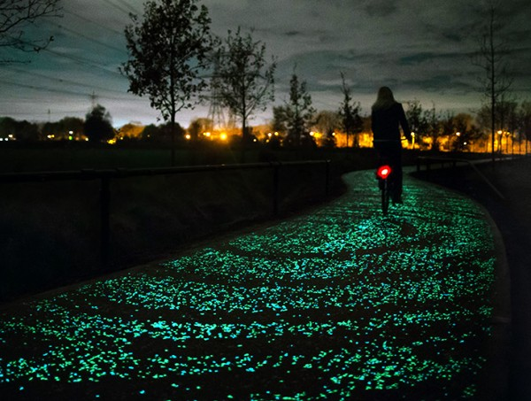 roosegaarde twinkling bike path 1
