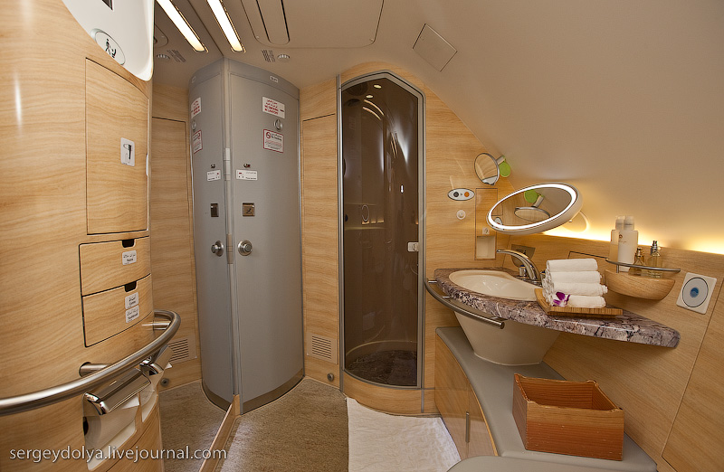 Emirates to fly 5 star hotel on airbus a380 realitypod for Bathroom design uae