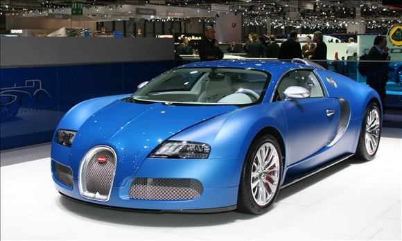 Bugatti Veyron Bleu Centenaire© Headline Auto