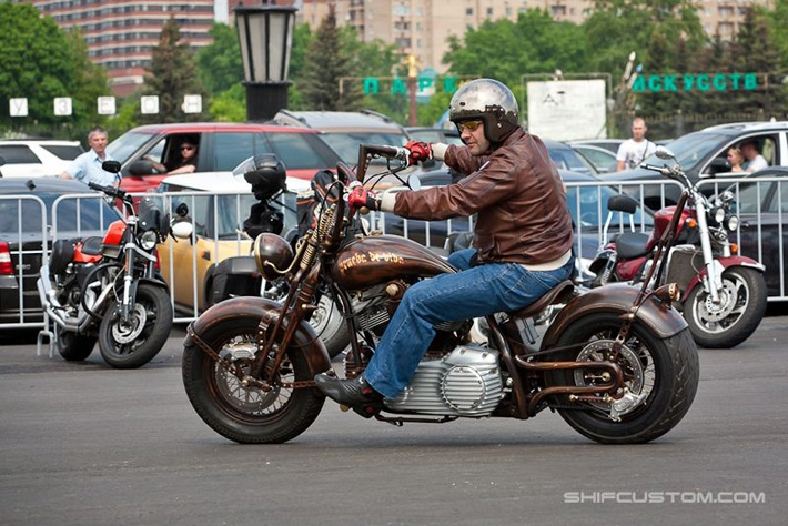 16629f4e891e4339708e55159708e553 When Russians Customize Motorbikes [in Pictures]