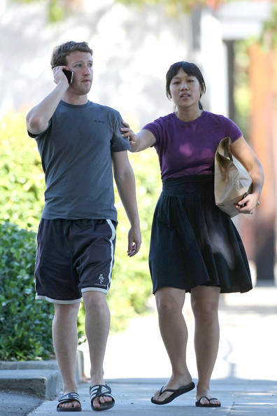 Mark Zuckerberg Priscilla Chan Life in Pictures | REALITYPOD