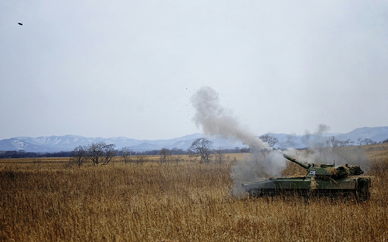3dab36146482cdd5560ebef832d125c8 In Pictures The Russian Howitzer Practice Shoot