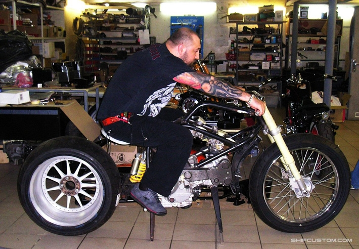 4080a8332acb567c652e3b25595a34fd When Russians Customize Motorbikes [in Pictures]