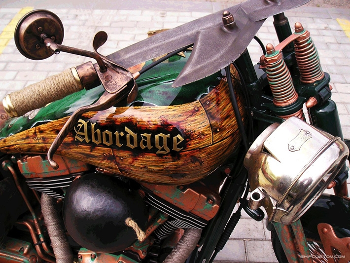44345613f91d7960e2b5aae8069920a4 When Russians Customize Motorbikes [in Pictures]