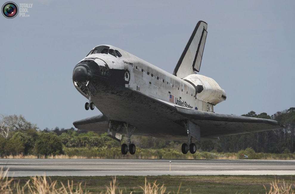 a57a2c2302cf28c222c0c89f461b0893 Space Shuttle Discoverys Last Flight in Pictures