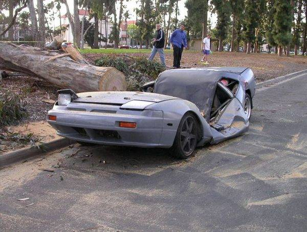 d47651a3e9794d5dff21d9edc48cbb31 25 Photos Of The Most Stupid Car Accidents