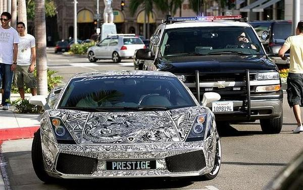d81a404e3a4b5527876e982c4223c27c Lamborghini Prestige Hits the Road in Miami