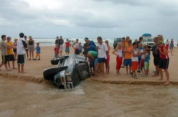 efce3f1d3f0b70e21168a28687f7c3d6 25 Photos Of The Most Stupid Car Accidents