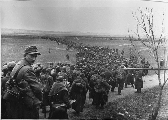 f749fcefcee4ff326389d10bf84b6d57 The Hidden Photo Archive of WWII
